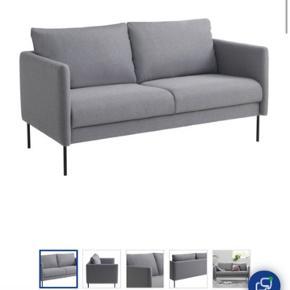 2-Pers sofa fra jysk sælges. Nyprisen i butik ligger på 2.499. Kvittering haves.  Fejler ingenting, står som ny og sælges pga flytning.  Befinder sig på Jægergårdsgade i Aarhus