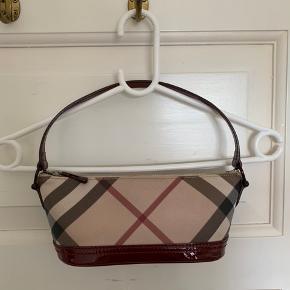 Fin Burberry taske Fået af familie der arbejde for Burberry Minimale brugsspor