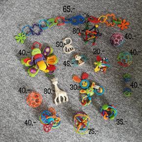 Forskelligt legetøj. Oball, Manhatten, tiny love og lamza