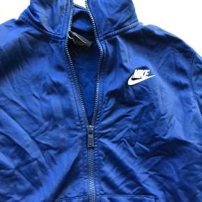 Nike zip up, passer også en xs, brugt et par gange