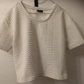 Hvid bluse fra VILA i str. M.  30kr, eller byd😊 Aarhus