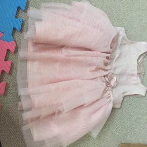 Rigtig fin prinsesse kjole, brugt få gange