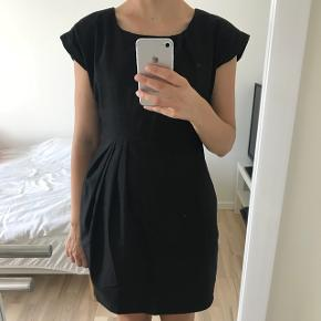 Gina Tricot kjole str 34.Næsten som ny.   Gratis forsendelse i dag 💰🌸