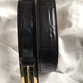 Sælger dette fine bælte fra Mulberry i sort læder. Har brugt det en enkelt gang 🌸