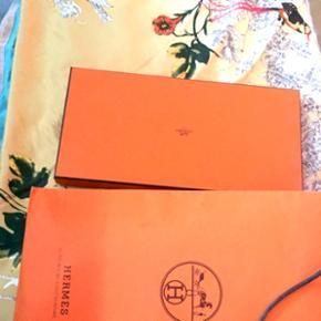 Hermès scarp (scarf) Soie (silk)  100x100cm