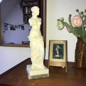 Venus fra milo stor figur, bud under 300 tages ikke alvorligt