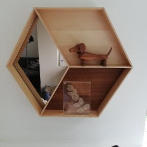 Ferm Living Wonder Wall Mirror, måler 50x60 cm. Nypris var 1.699 kr. Sender ikke