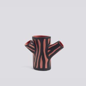 Hay tree trunk vase Farve: pink Højde: 15cm Pris: 120kr