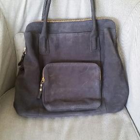 Lækker taske Bredde 45 cm Højde 36 cm Hanke 57 cm  #30dayssellout