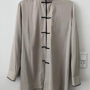 Kinaskjorte / Tunika / Kina / Japan  Virkelig fin