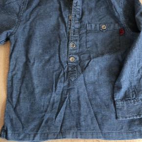 To lækre skjorter i bomuld. 50 kr for begge.