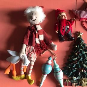 En del forskelligt julepynt - alt på billedet samlet for 40kr Har en del julepynt til salg - giver god mængderabat