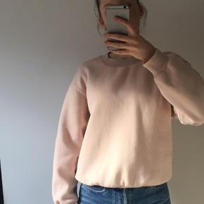 Dejlig sweater i god stand :)