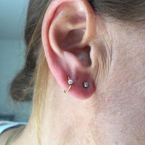 Guld ørering med diamant- kun seriøse bud⭐️