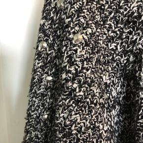 Lækker bluse strik trøje fra ASOS med nitter