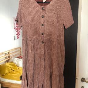 vintage ruffled dress