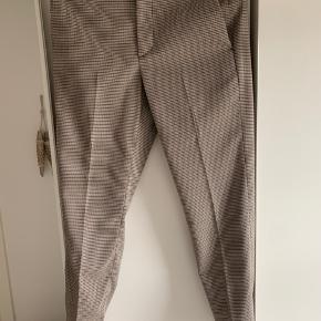 MSGM trousers  Aldrig brugt   Nypris 1650 kr.