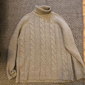 Thomas Burberry sweater