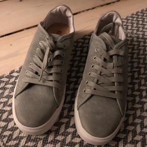 Fantastisk flot sko fra Blackstone - aldrig nogensinde brugt - købt i Berlin i deres butik - ny pris 1200kr - sælges meget billigt