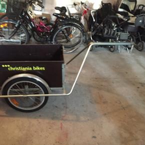Christiania anhænger standard med regnslag og beslag til flere cykler, håndtag og støtteben, så den også kan brudes som trækvogn. Velegnet til storindkøb, varetransport og lignende. Kan klare stort set alle opgaver mange år frem. 👍Kvittering haves