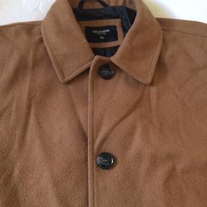 Cedarwood State uldjakke i camel-brun, str XL. Næsten som ny   51% uld 83 cm fra skulder til bund