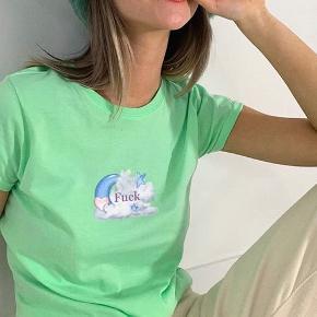 Mint grøn tee🌻 Xs/S Kun prøvet på  Giver mængerabat, tjek profilen ud!