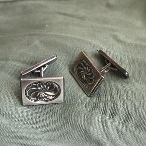 Vintage Georg Jensen sølv manchetknapper  - GJ er indgraveret og 925 sterling sølv mærket  #Secondchancesummer