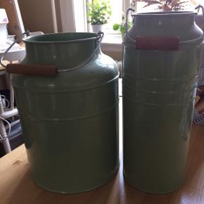 2 vaser/krukker fra Ikea, ingen skrammer.  Sælges kun samlet
