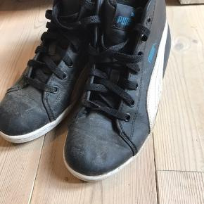 PUMA Sneakers, God, men brugt. Kolding - Trænger til en vasker - derfor prisen. God model med foer. PUMA Sneakers, Kolding. God, men brugt, Brugt en periode og har derfor mindre tegn på brug