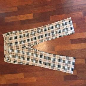 Burberry bukser & shorts