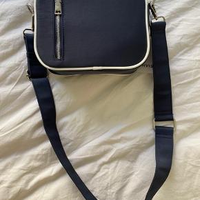 HVISK taske. Fejler intet, stadigvæk med prisskilt. Byd 💛