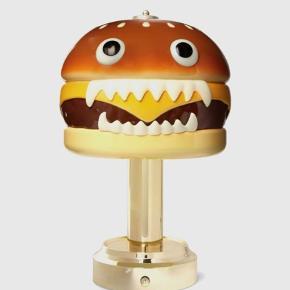 Sjælden Medicom Toy x Undercover bordlampe, har aldrig været ude af boksen.
