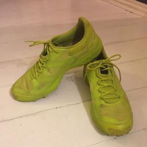 Grønne sko NP 1200  Brugt få gange, men lidt beskidte - sælges derfor billigt