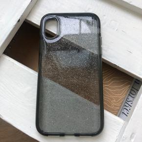 Fint glimmer cover til iPhone X, som beskytter telefonen rigtig godt. Coveret er ikke brugt og er derfor i meget fin stand.