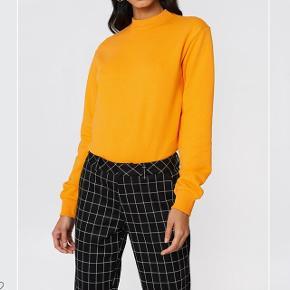 Super fin sweater med en smuk farve. Fejlkøb. ⭐️