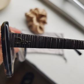 Dior solbriller. Æske medfølger
