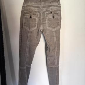 """Flotte bukser fra CREAM model """"Sassy"""". Mange fede detaljer. Brugt få gange."""