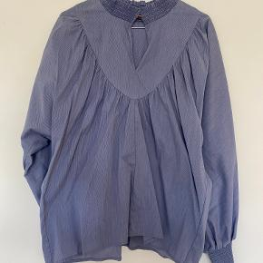 Sofie Schnoor skjorte