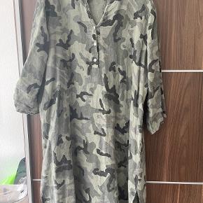 Tiffany kjole