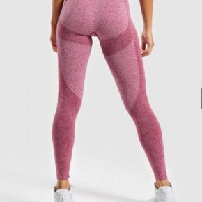 Gymshark tights flex leggings  Str small   Kan evt hentes i Nyborg 🌟   Obs. Har flere par tights til salg ☀️