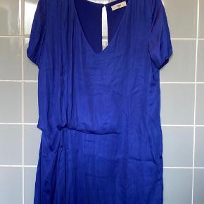 Koboltblå kjole fra Envii Størrelse S Aldrig brugt