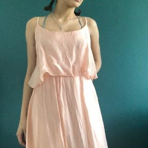 Lovely flowy night grown dress from Paris