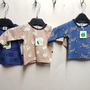 Nyt tøj fra småfolk, sender gerne med DAO..  Priser:  50kr for trøjer  65kr pr body  50kr for buks