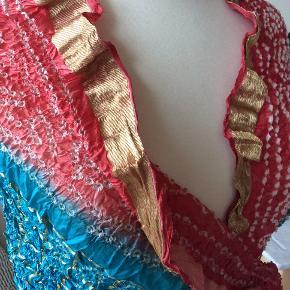 Mia Petra. 100% Silke. Kæmpe tørklæde.