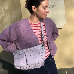Unlimit taske i størrelsen medium (Emily) passet godt på og smurt med læderbalsam som beskytter læderet mod det danske vejr ☔️ Mp: 650  Np: 1299