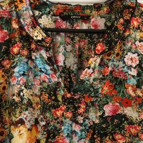 Blomstret let Sommerkjole
