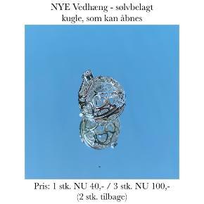 NYE Vedhæng - sølvbelagt kugle, som kan åbnes  Pris: 1 stk. NU 40,- / 3 stk. NU 100,-  (2 stk. tilbage)   Se også over 200 andre nye produkter, som jeg har til salg herinde :-)