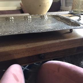 Gammelt fad fra marokko med patina og brugsspor