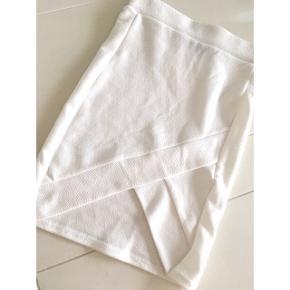 d9166fed837 Hvid stram nederdel