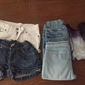 Tøjpakke i str. 134 til 40 kr BYD!! 🌸 5 stk. Tøj: 2x shorts, 2x bukser, 1x trøje  Mærker som h&m, name it mm.